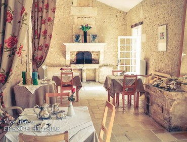 Tearoom - View to cheminée